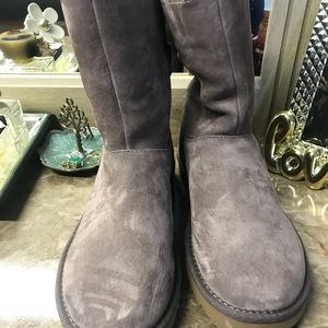 New with tags uggs